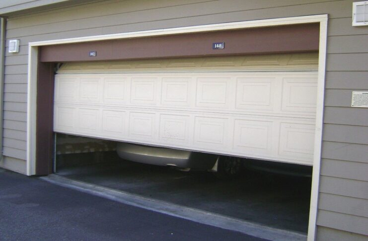 A Guide on Working, Benefits and Types Of Garage Doors